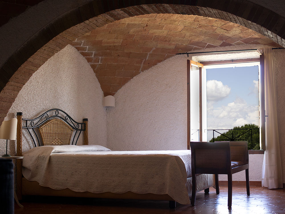 agriturismo casoledelsa siena toscana appartamento rustico camera